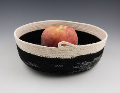 Small Rope Tray with apple