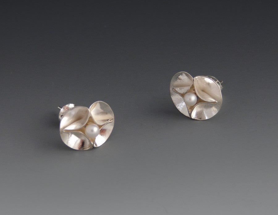 Double Leaf Small Stud Earrings with Pearls bright