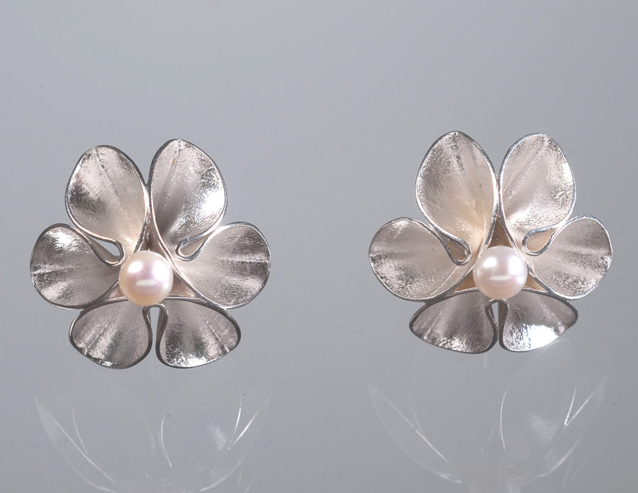 Flower Stud Earrings With Pearl-Bright