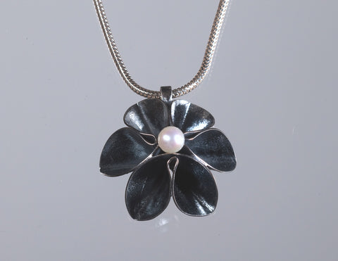 Single Flower Pendant With Pearl-Oxidized