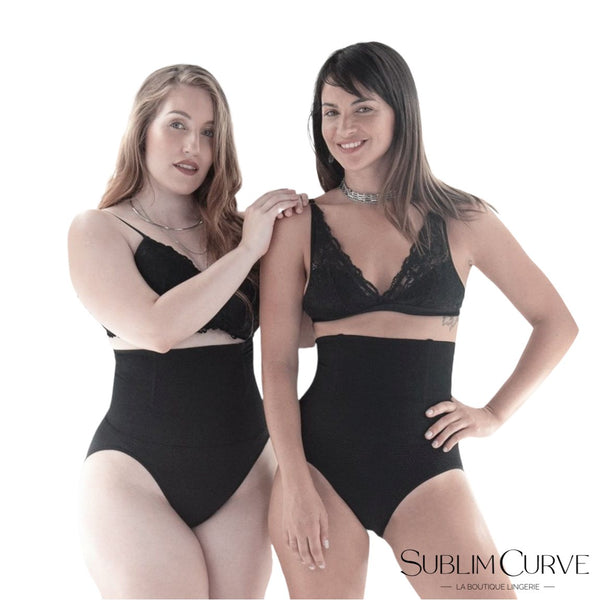 Deux femmes portant la culotte gainante Simple Curve disponible sur Sublim Curve.com