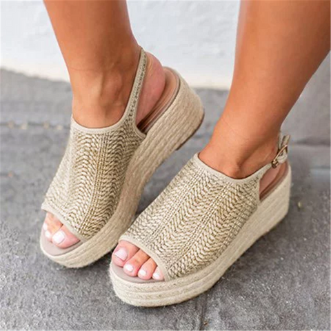 Vintage Straw   Fish Mouth Wedge Sandals