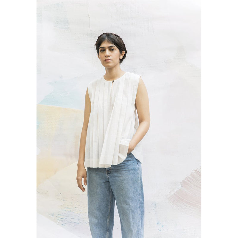 'Frida' White Pleated Shirt