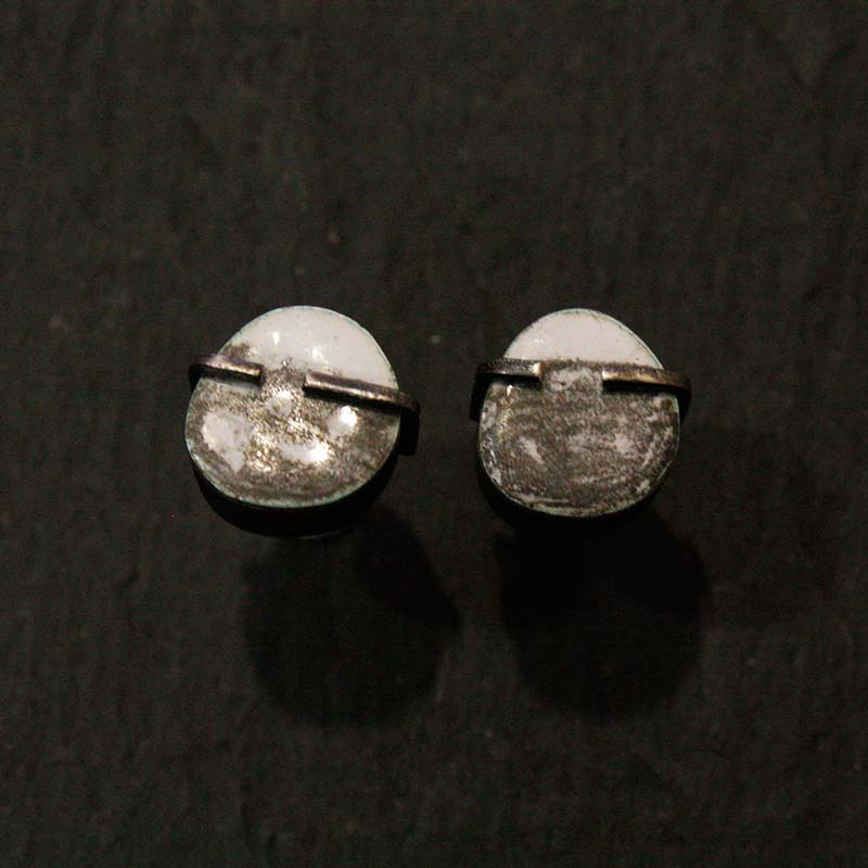Black & White Box Studs