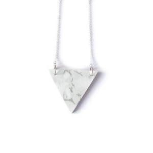 Marble-Effect Pendant Necklace