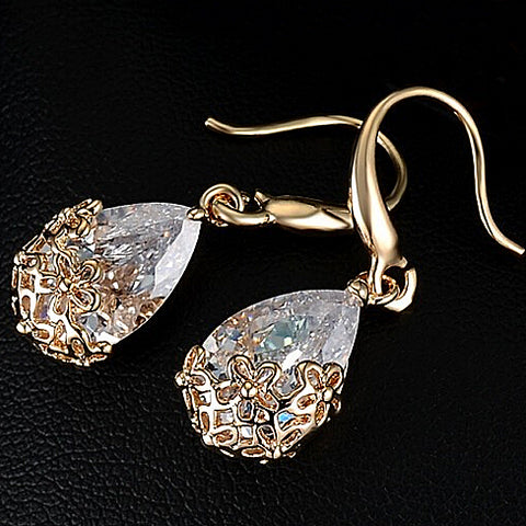 18k Gold Swarovski Crystal Drop Earrings