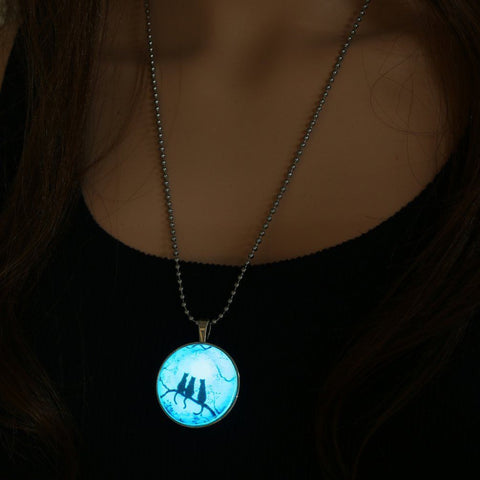 Glow Kitty Necklace with UV Light