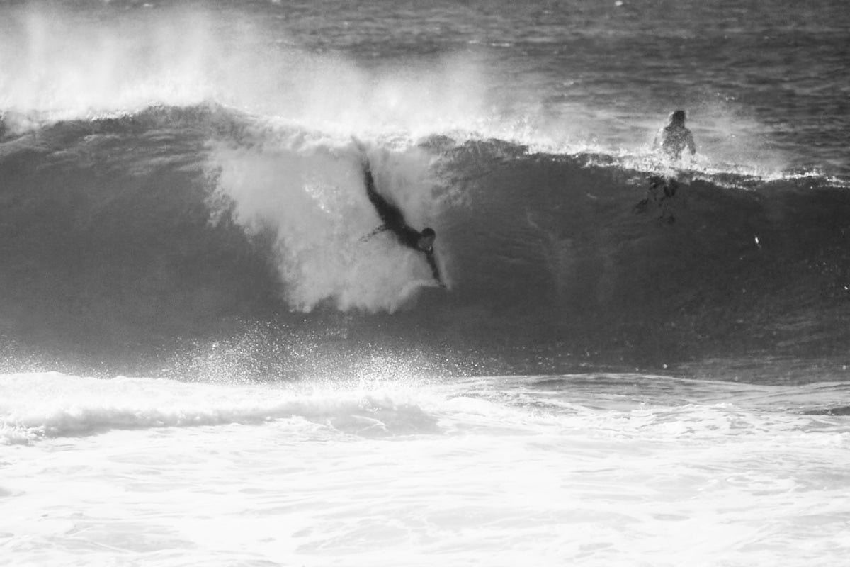 bodysurfing-hand-plane-ecto-handplanes-barrel-pig-jake-resenbrock-south-coast-bodysurfing-photo-ando