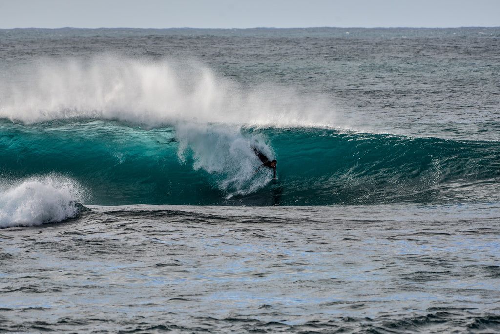 barrel-pig-jake-rosenbrock-ecto-handplanes-bodysurfing-big-wave-bodysurfer-cape-fear-cape-solander-botany-bay-team-skids-br-photo-1500px