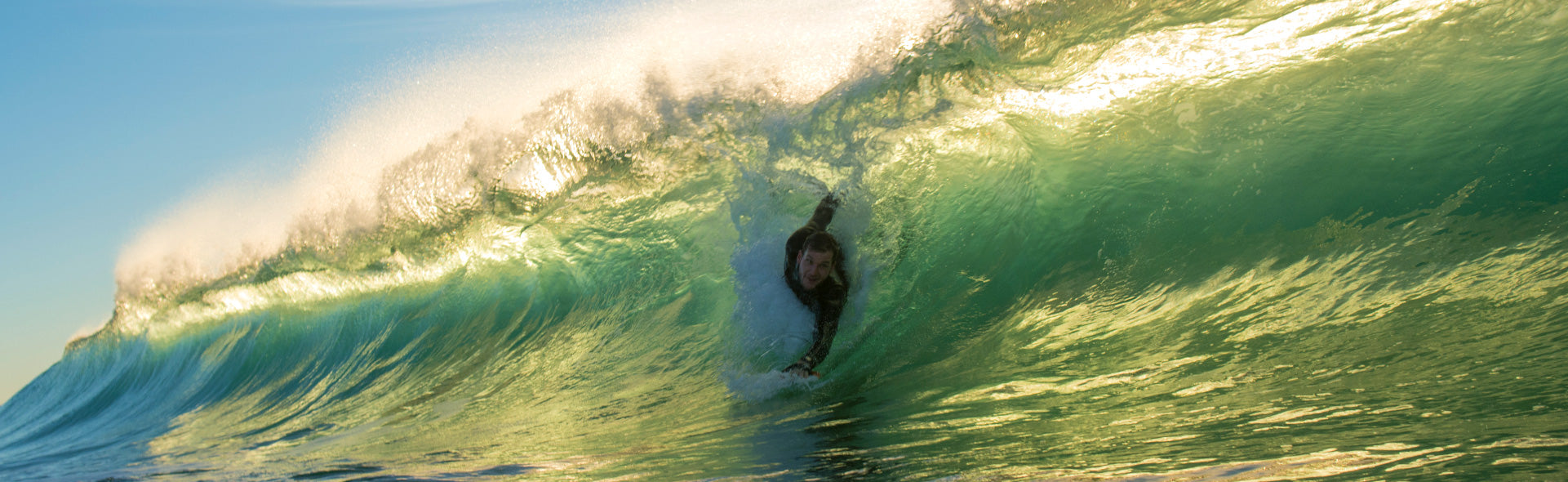 bodysurfing-hand-plane-ecto-handplanes-chris-anderson-photo-seb-diaz-surfographer-sunny