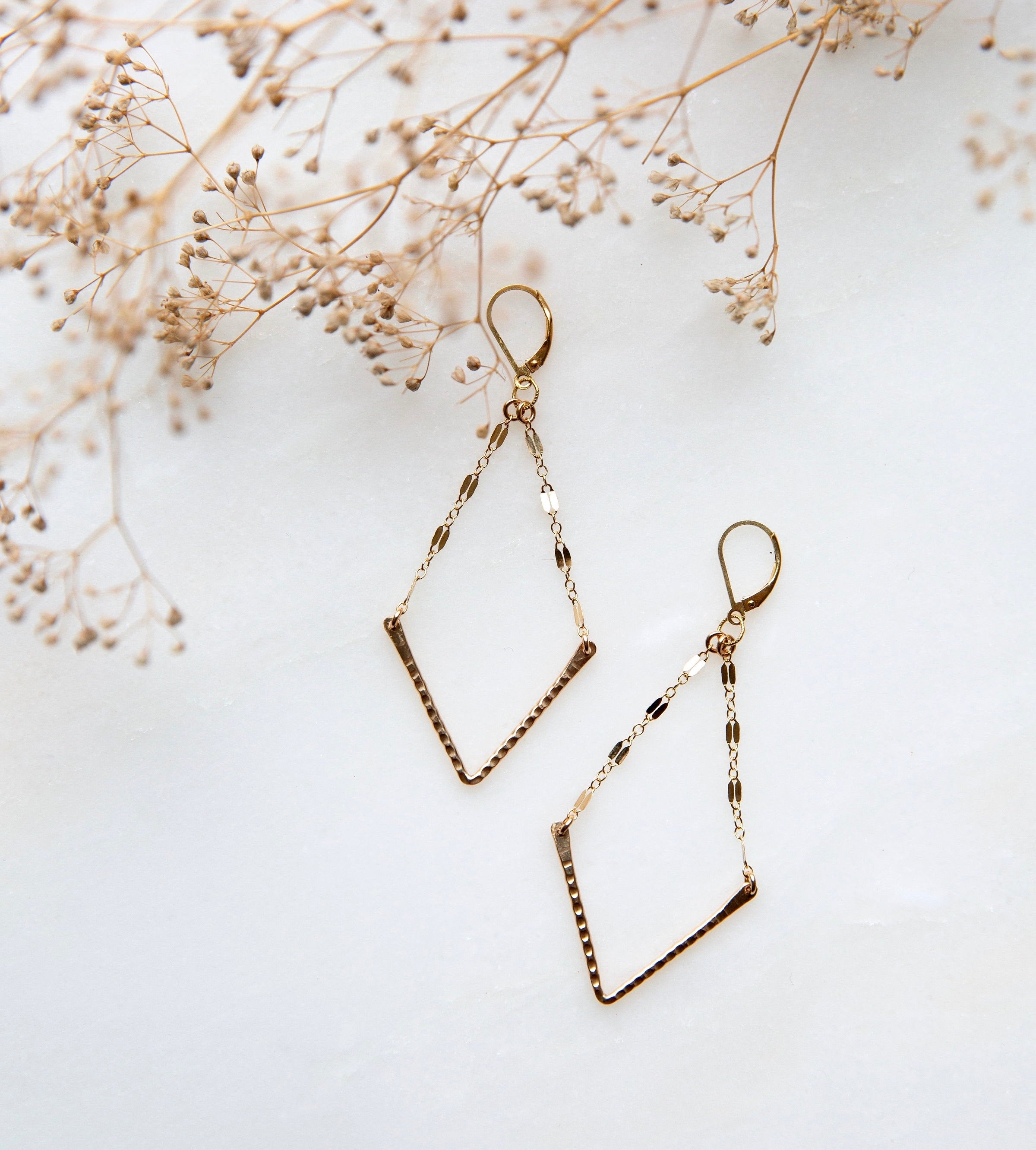V earrings small