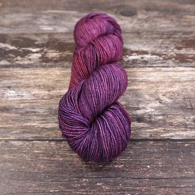 Fyberspates Vivacious 4ply - Grape (620) - 4ply Knitting Yarn