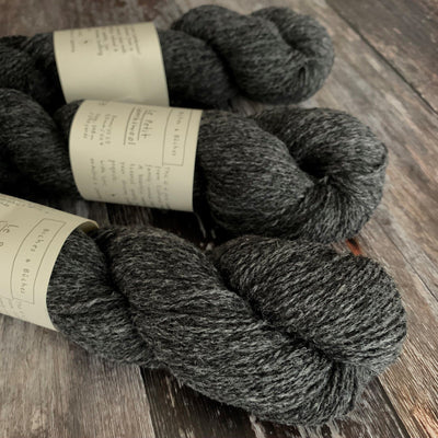 Biches & Bûches Le Petit Lambswool - Dark Grey - 4ply Knitting Yarn