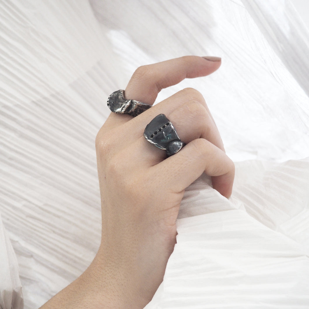 Eklim Ring with Black Diamonds