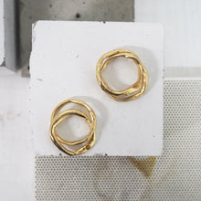 Load image into Gallery viewer, Zinkir Ring with Gems - Gold Vermeil