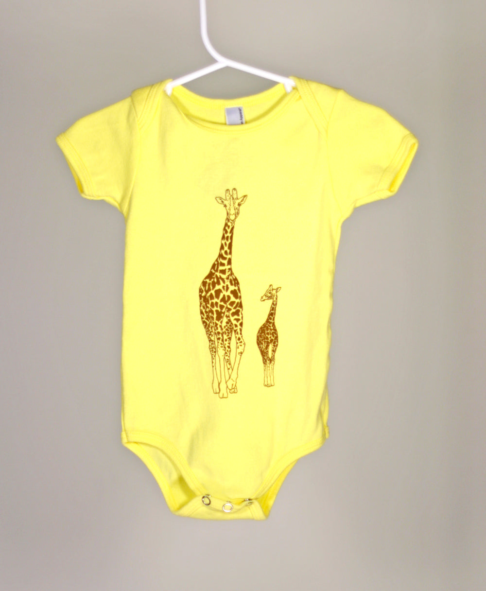 Giraffe Short Sleeve Bodysuit