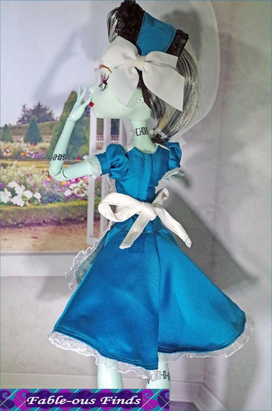 Fable Ous Finds Carroll S Muse Dress Apron And Bonnet