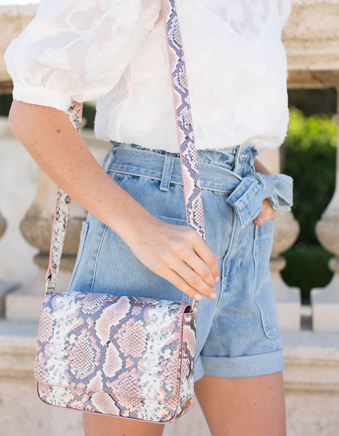 Kiss Kiss Crossbody 2.0 in Metallic Rose Python