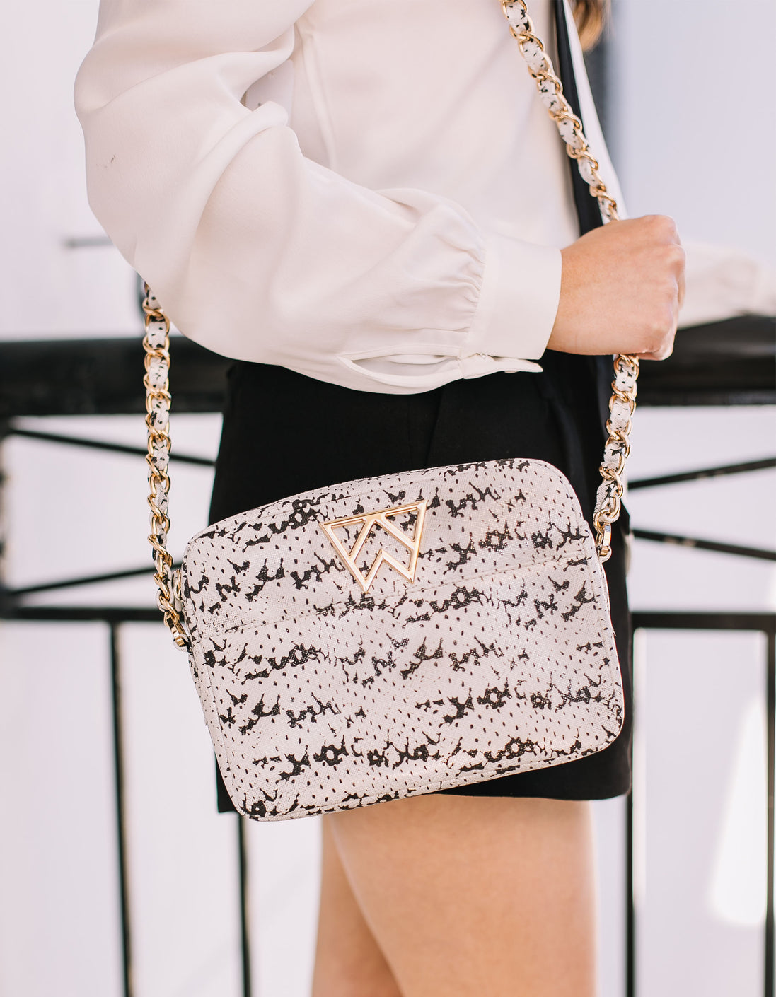 Mingle Mingle Mini in Black & White Saffie