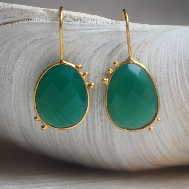 AMAZONIA GREEN ONYX DROP EARRINGS