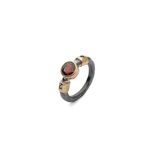 SAIGON MULTISTONE RED RING