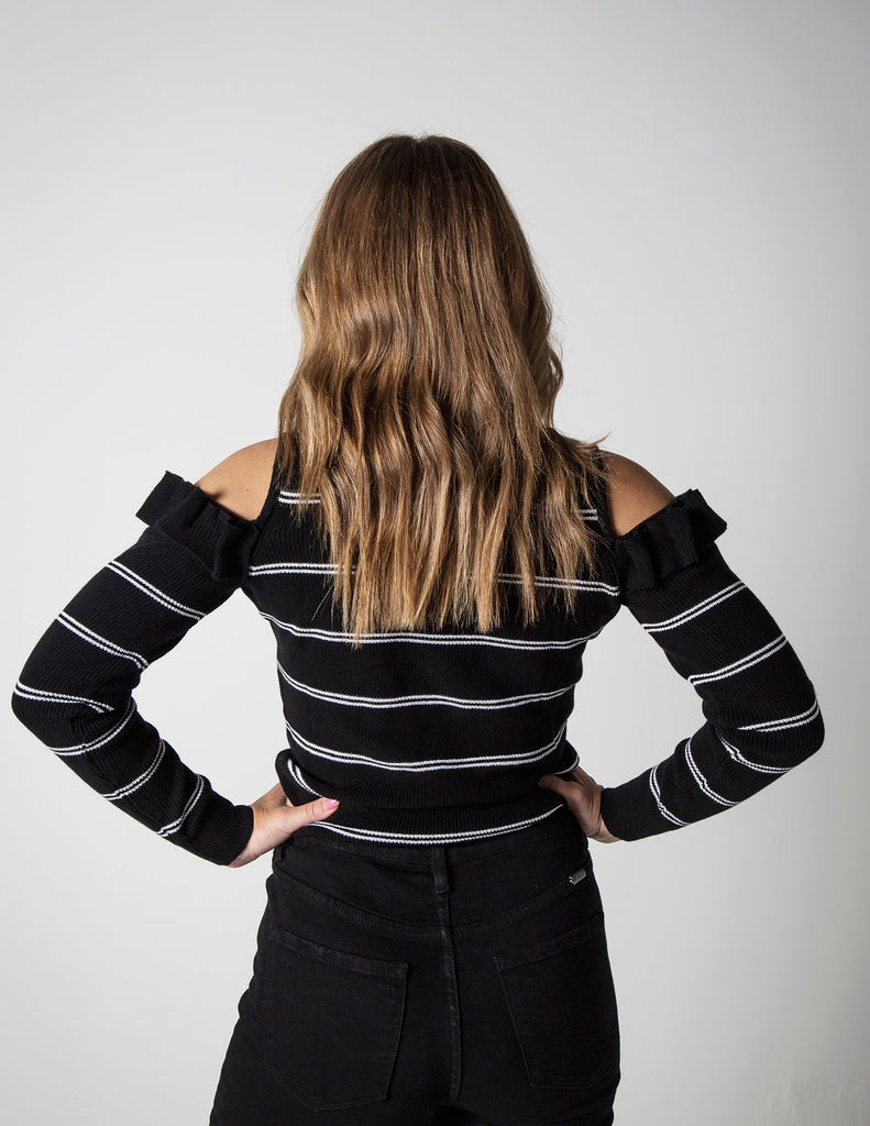 B+W COLD SHOULDER SWEATER