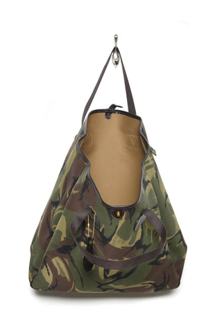 Brady Large Carryall Tote camo