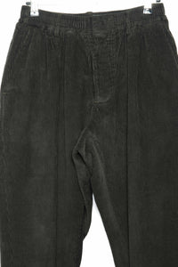 Pleated corduroy Trousers green