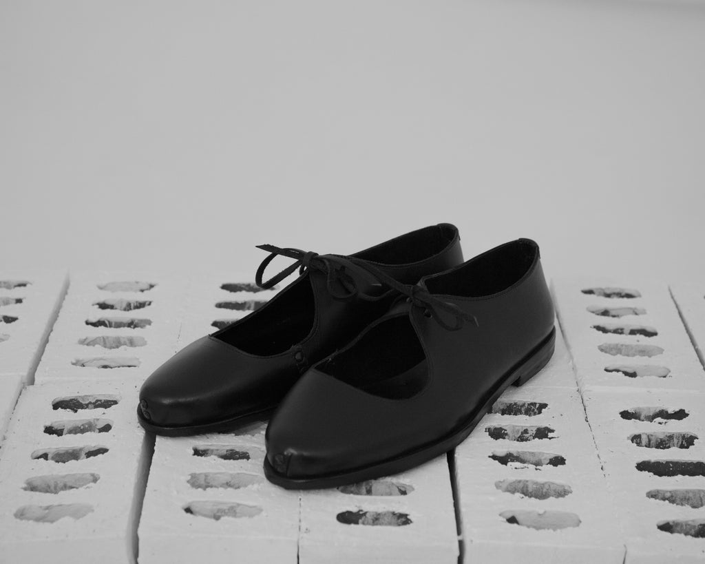 Omar Afridi Low Dully Shoe (Black)