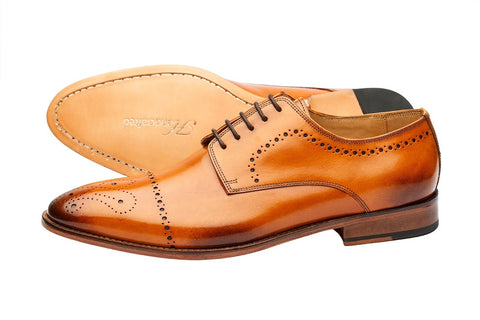 BROGUE DERBY WITH MEDALLION – CUOIO