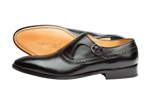PLAIN TOE SINGLE STRAP BROGUE MONK– BLACK