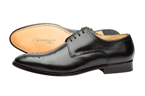 BROGUE DERBY WITH MEDALLION –BLACK