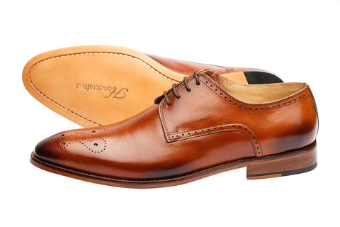BROGUE DERBY WITH MEDALLION –TAN