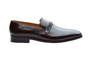 SLIP ON WITH PLEATED SADDLE – BRUSH OFF BURGUNDY