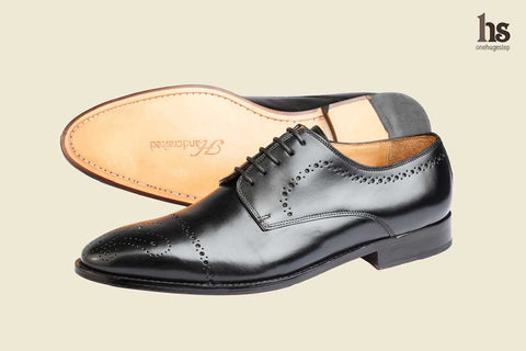 Brogue Derby With Medallion – Black