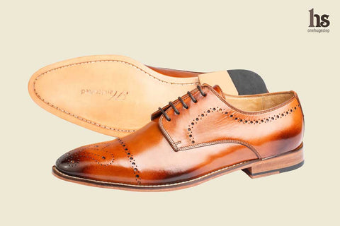 Brogue Derby With Medallion – Tan