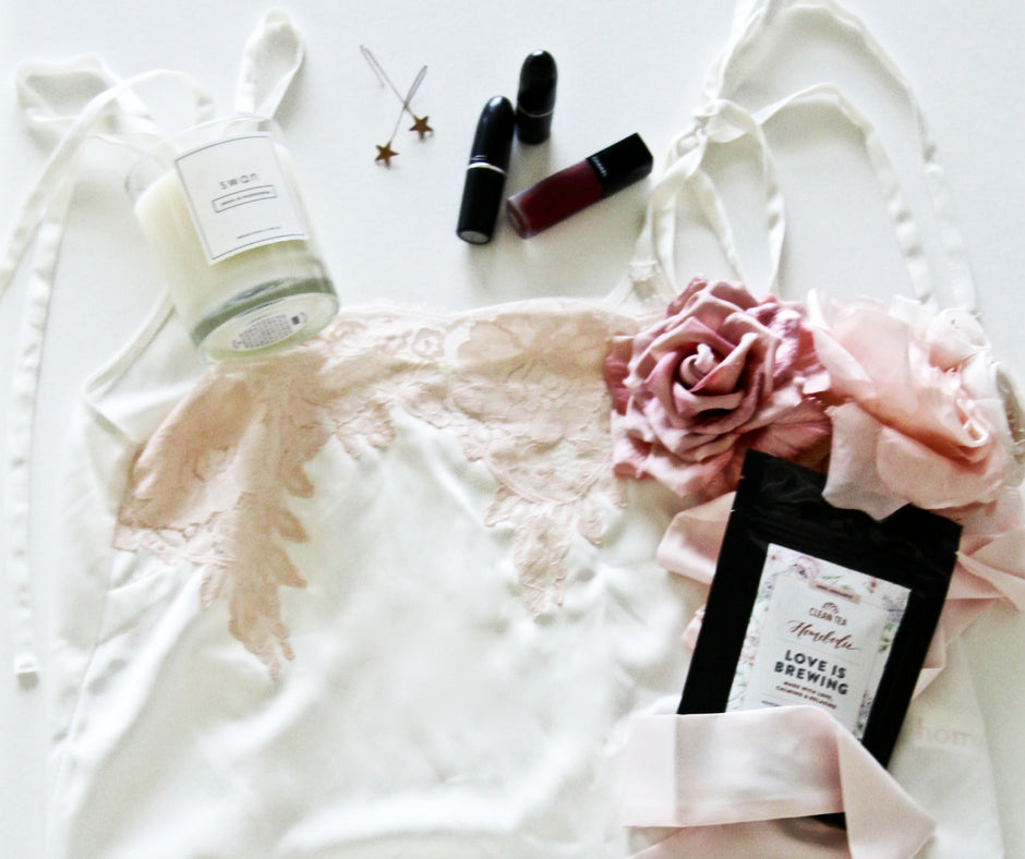 The Gal That Has Everything Valentine S Day Gift Guide Homebodii