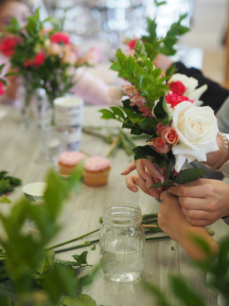 Homebodii Floral Arrangement Lesson with Ivy and Bleu Events