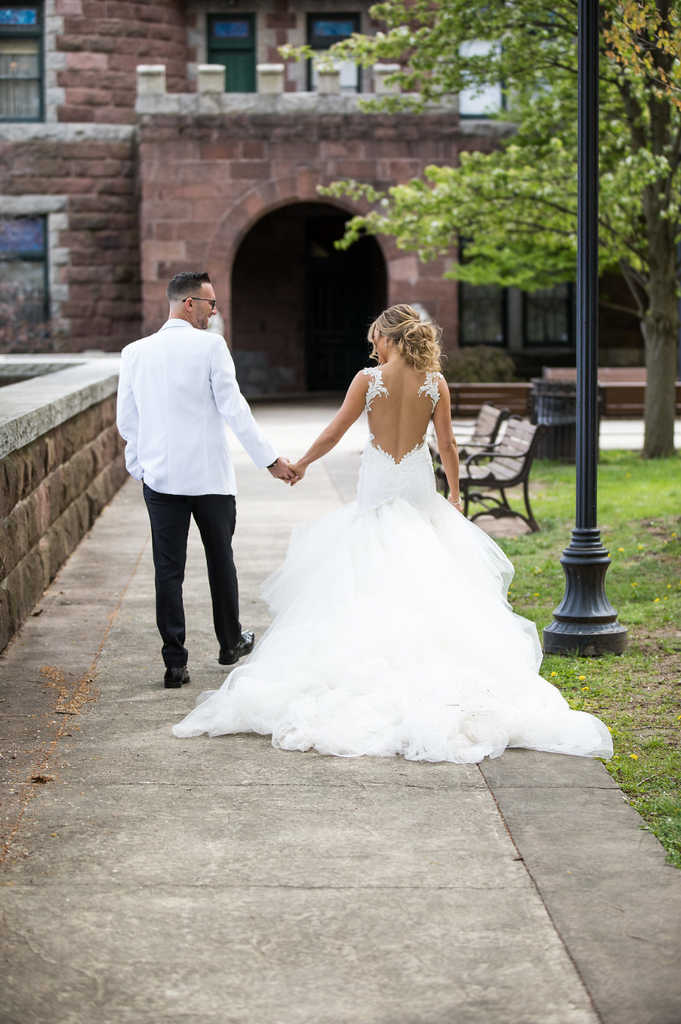 Homebodii_Real_Bride_Wedding_Dress