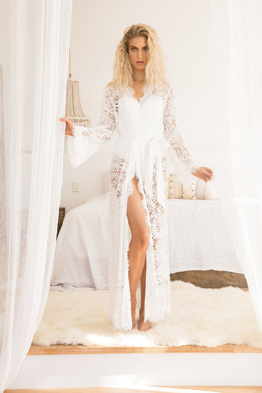 8120e634d2fb Anémone Long Lace Robe - Homebodii