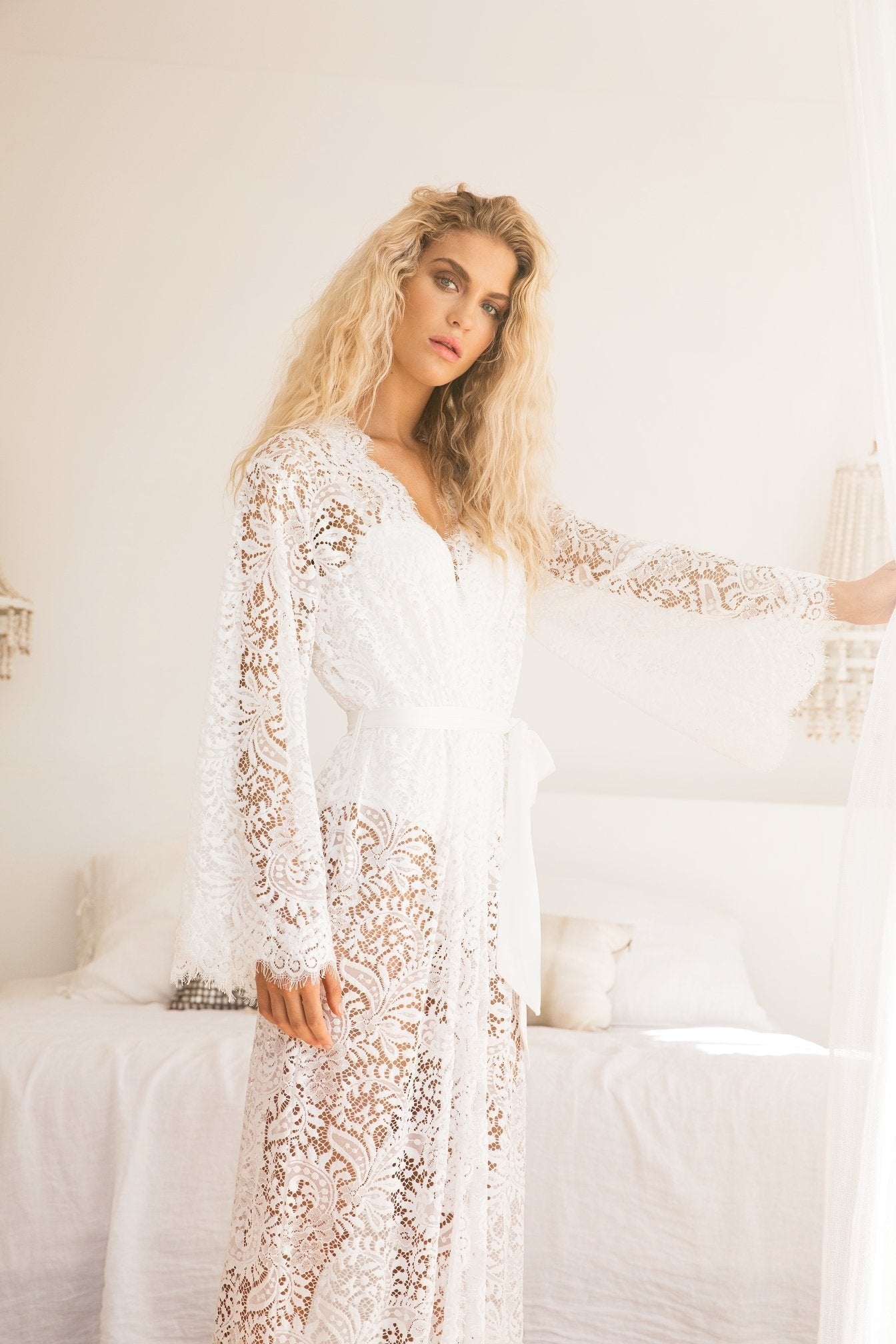 Anémone Long Lace Robe - homebodii b36518704