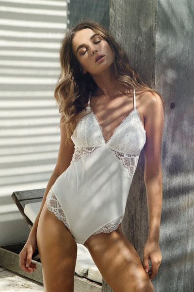 Ava Bodysuit - White - Homebodii