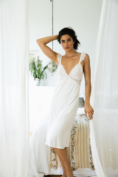 Petra Nightie - White - Homebodii