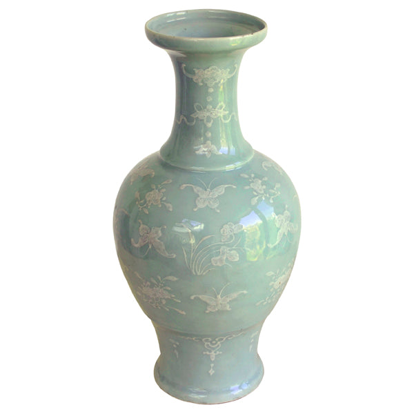 Celadon glazed vase with underglaze slip decoration. 19th century Chinese