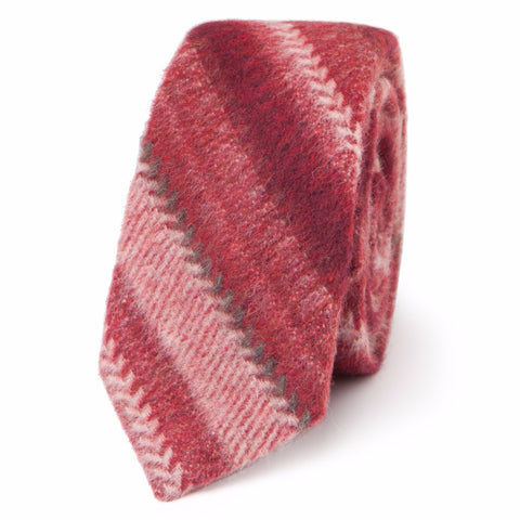 CHEVRON STRIPES NECKTIE: RED
