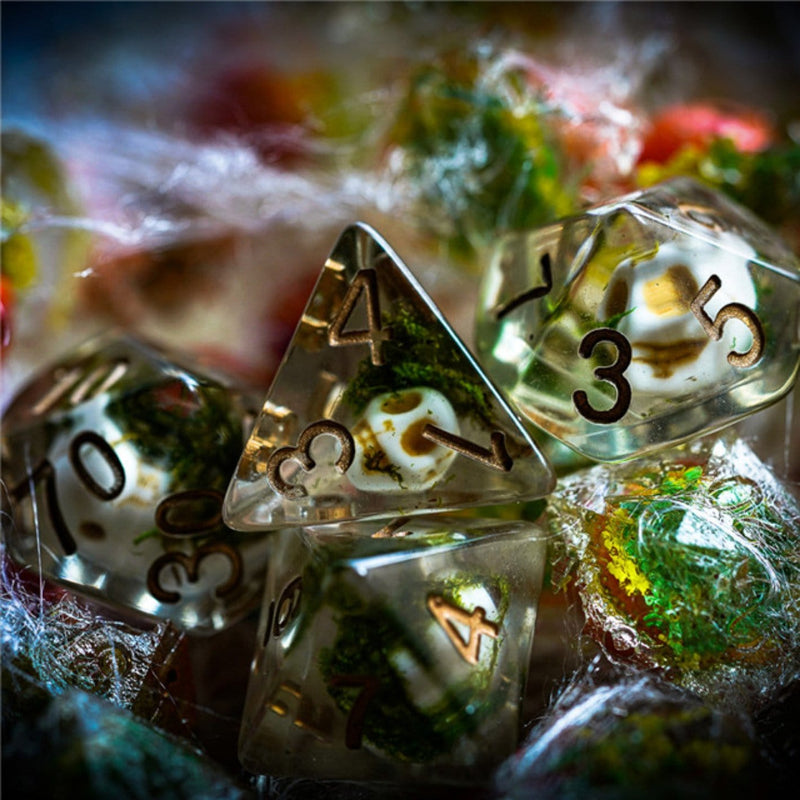 Clear Skull Dice Set