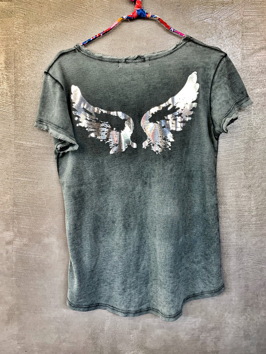 Distressed t-shirt with metallic wings