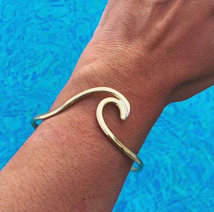 The Surfer Bangle in Brass