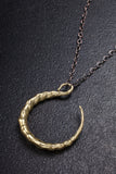 Twisted Horn Curve Necklace
