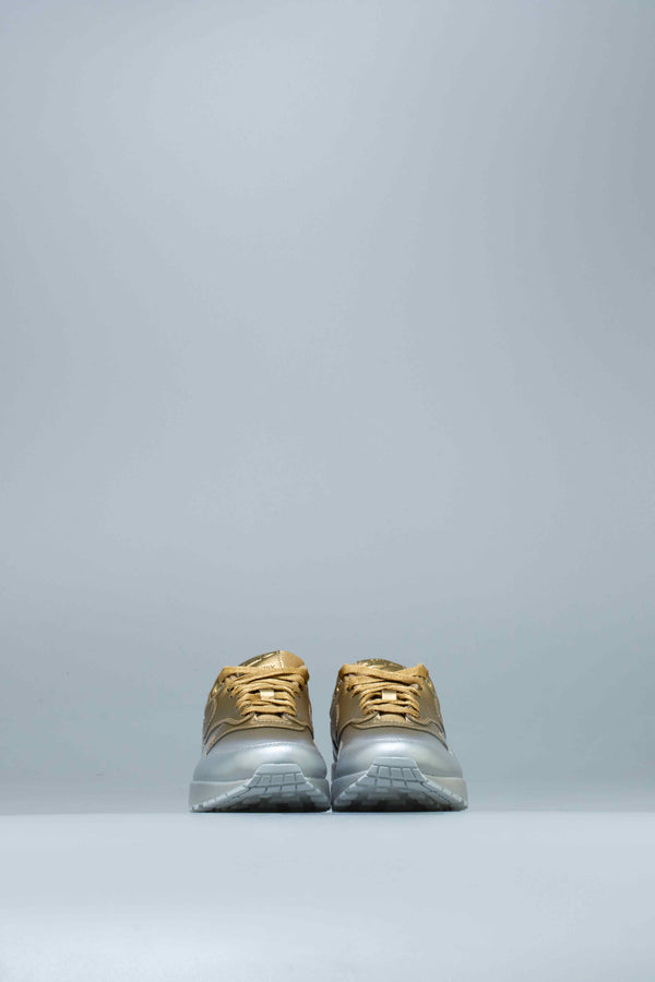 AIR MAX 1 LX SPRAY PAINT WOMENS SHOE - METALLIC SILVER/METALLIC GOLD